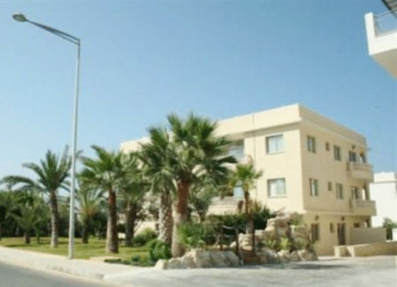 2-bedrooms-apartment-paphos-for-sale