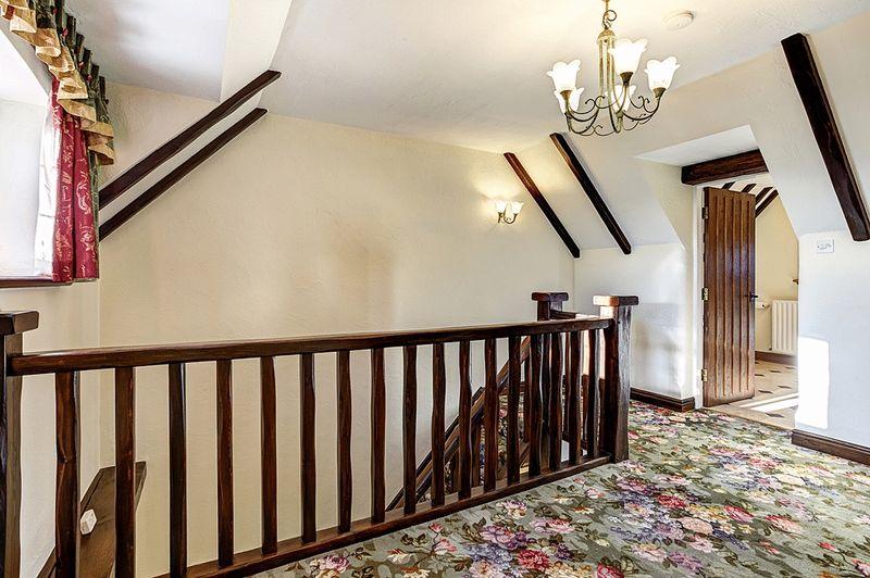 Royal Cottage Troughstones