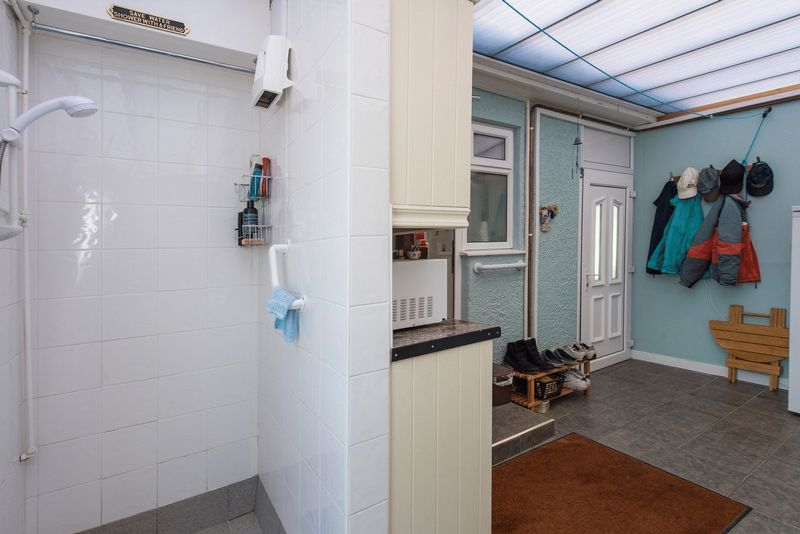 UTILITY/SHOWER ROOM/W.C.