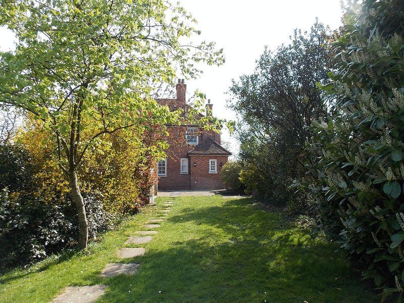 Maplehurst Road