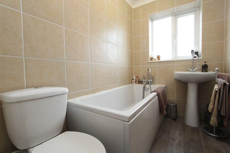 bath P