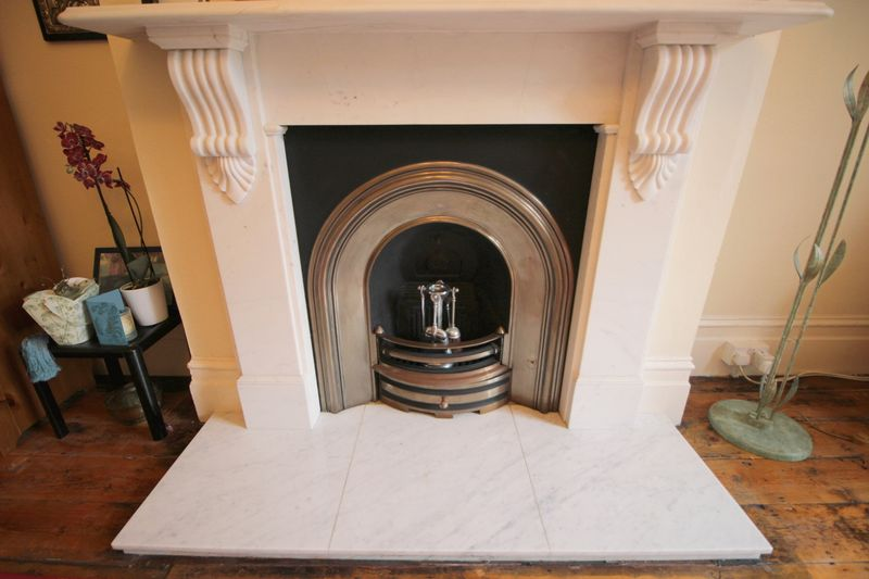 FEATURE - FIREPLACE