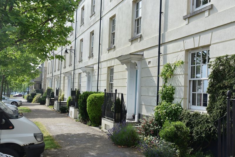 Peverell Avenue East Poundbury