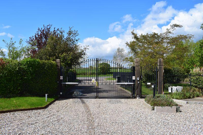 Dacres Gate Fyfield