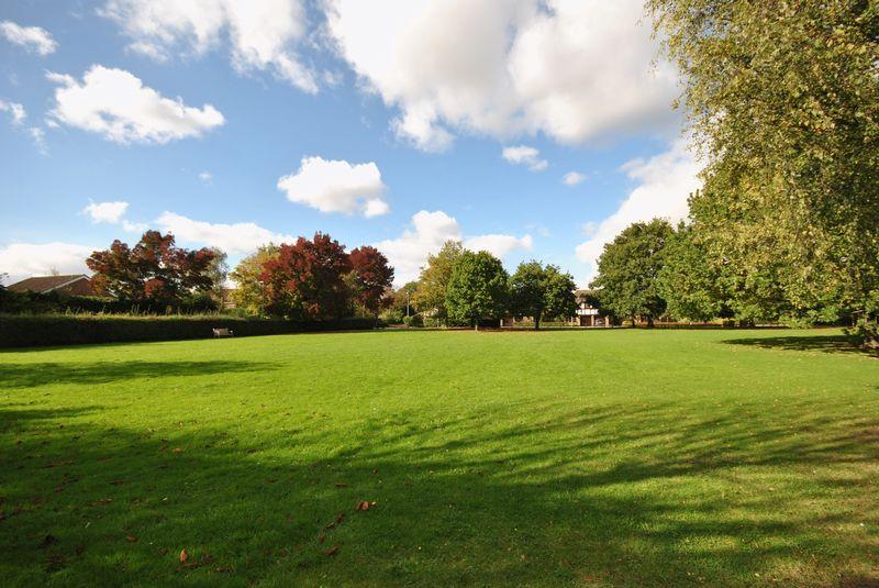 Broadmead Green Thorpe End