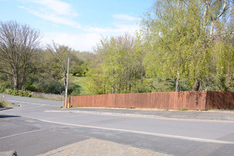 Brackenwood Road