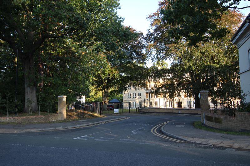 Heathside Crescent