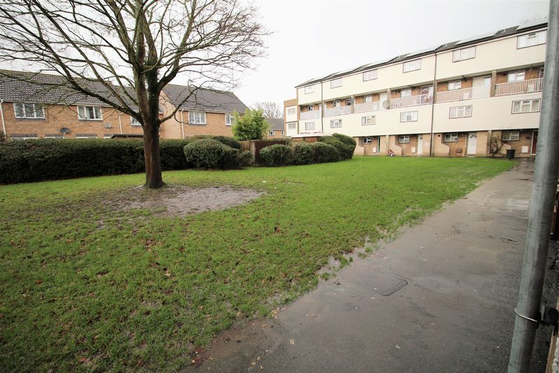 Colliers Close