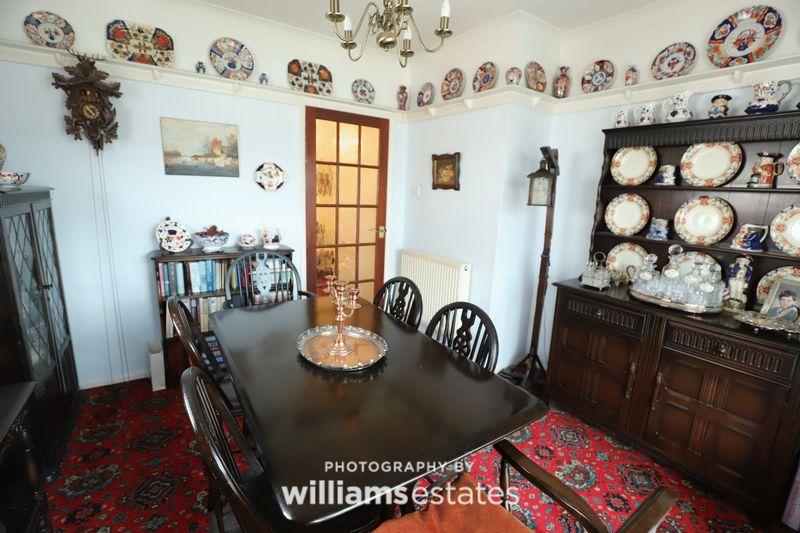 Dining Room (4)