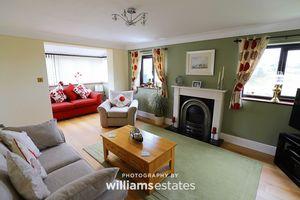 Living Room Aspect 1