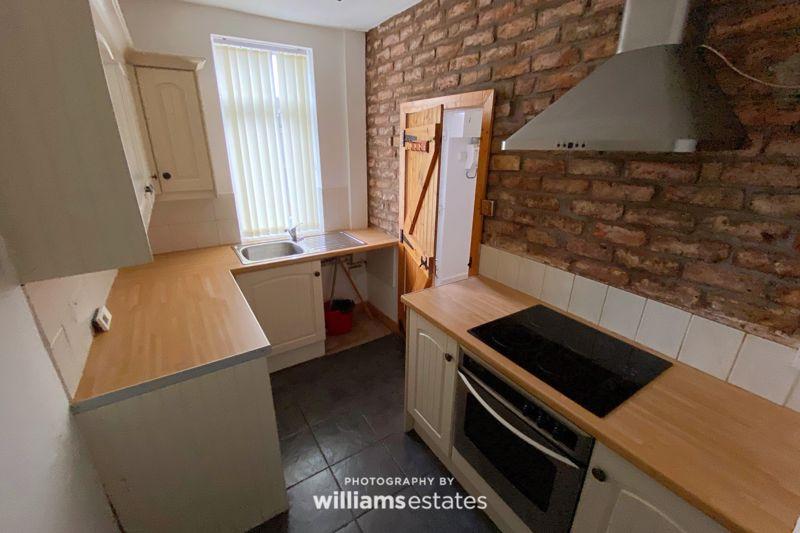 Williams Place Ffynnongroyw