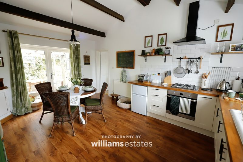 Holiday Cottage- Kitchen