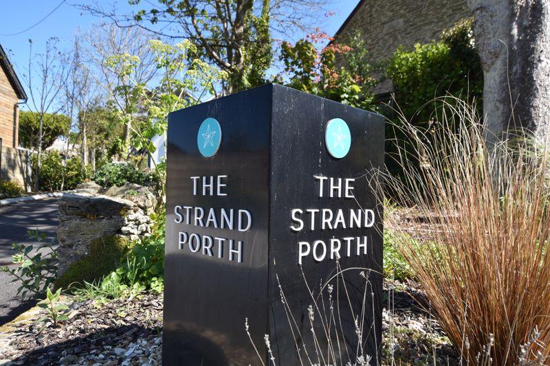 The Strand Porth