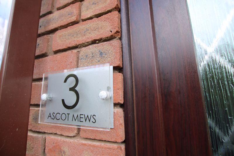 3 Ascot Mews