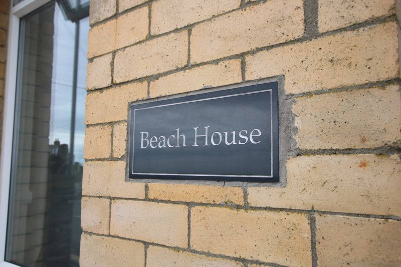Beach House, Beach Road