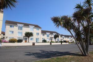 9 Dolphin Apartments, The Promenade