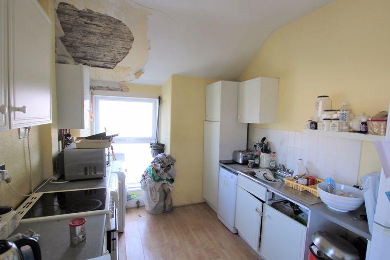 Apartment 3, 5 The Promenade