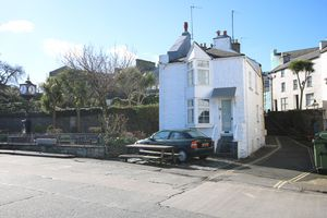 Seagull Cottage, 12 Bank Street