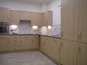 Fitted kitchen/ breakfast room