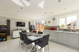 Superb Open Plan Kitchen/ Breakfast Room