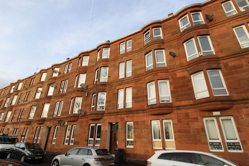 Blythswood Drive Flat 2/2