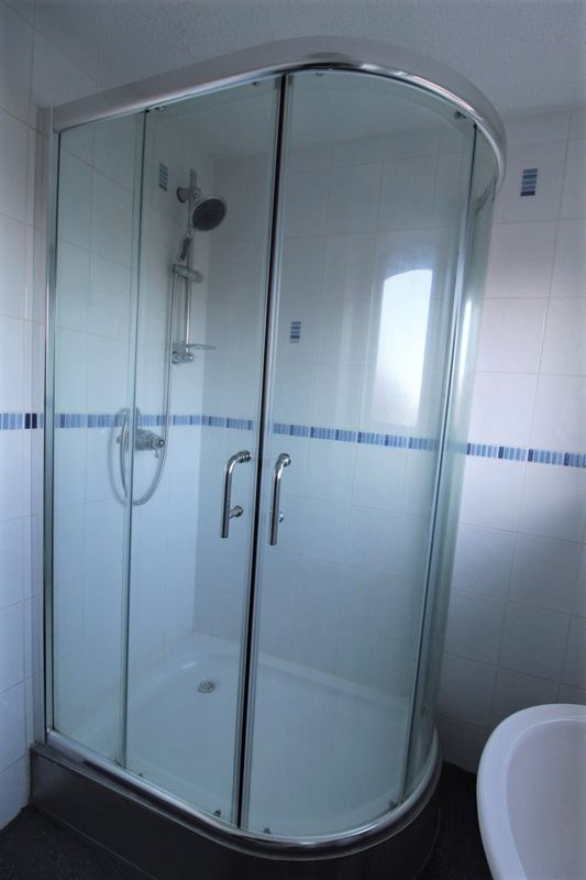 Corner Shower Cubicle