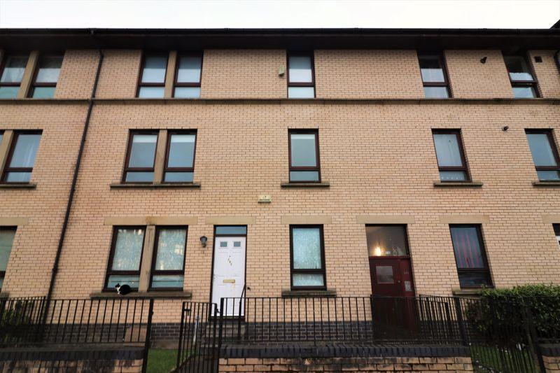 Bardowie Street Flat 1/3