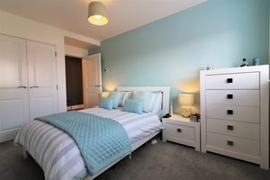 Mulberry Crescent Flat 1/1