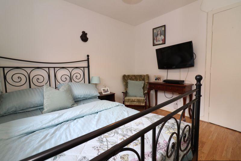 <aster Bedroom