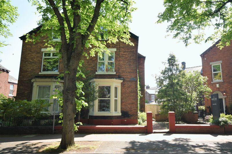 114, Warwick Road