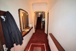 Warwick Road, Room 1