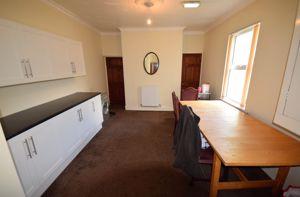Warwick Road, Room 2