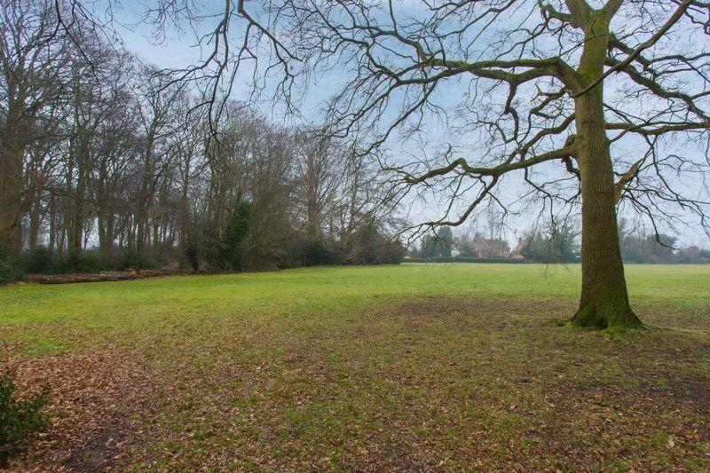 Totteridge Common Cottages