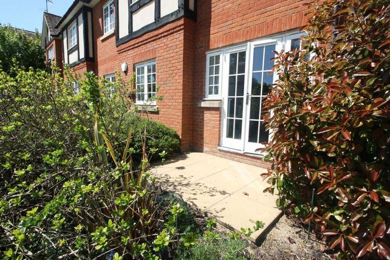 Sheridan House, Sheridan Court