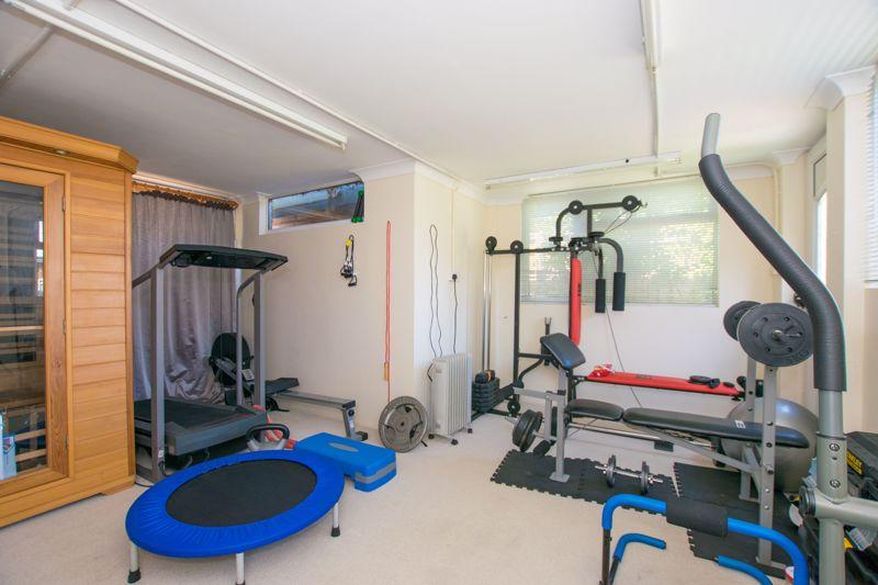 Gym/Garage
