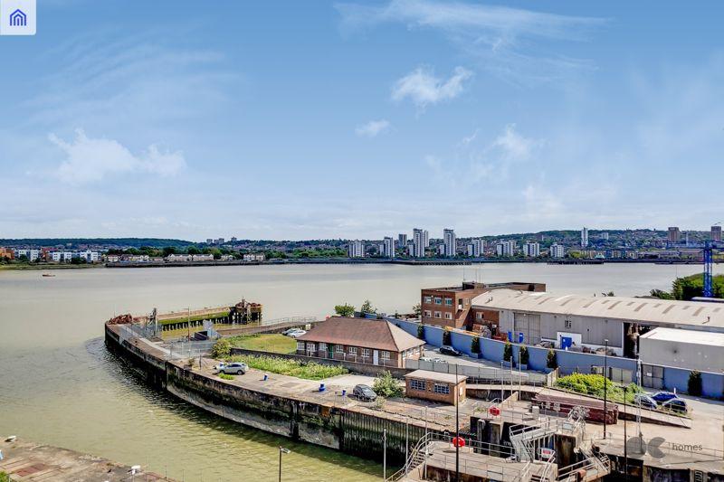 Lock Side Way Royal Albert Wharf