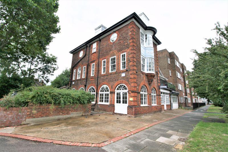 Hare Hall Lane