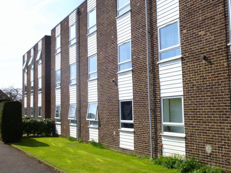 3 Lambourn Grove