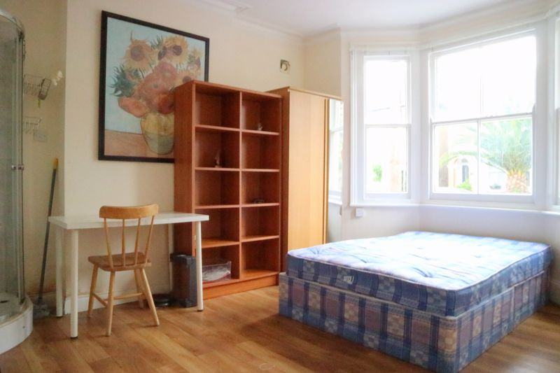 Chatham Road (Large Rooms)