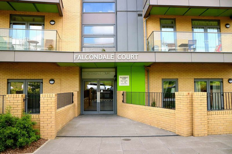 Falcondale Court Lakeside, Park Royal