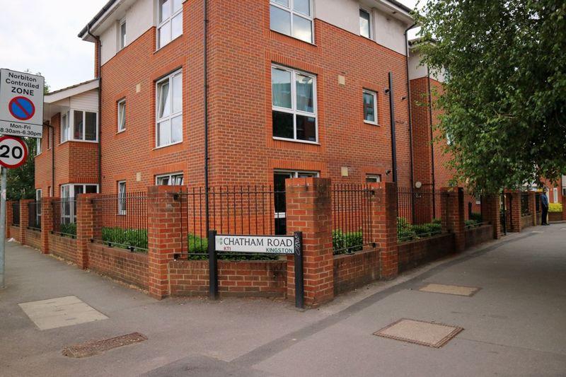 Chatham Road (Room 4)