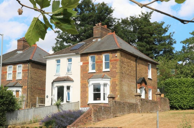 Hughenden Road