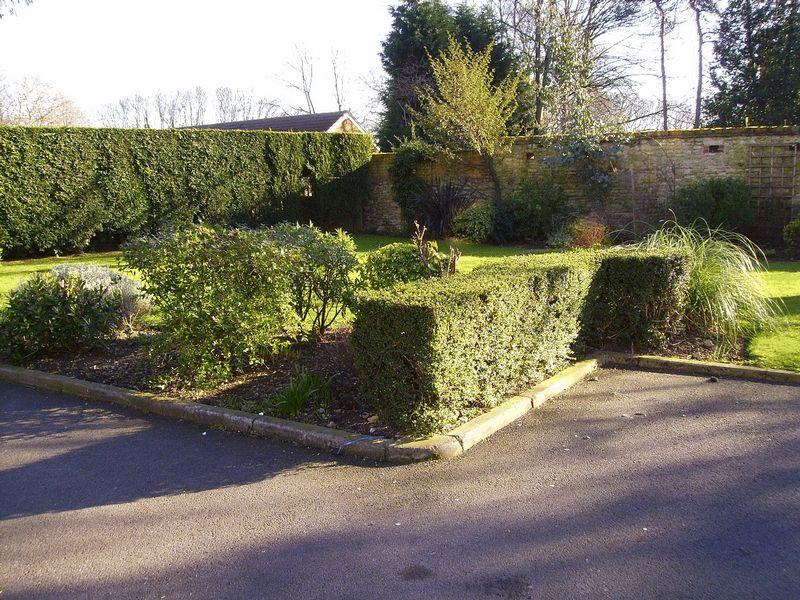 1 Cardington Road