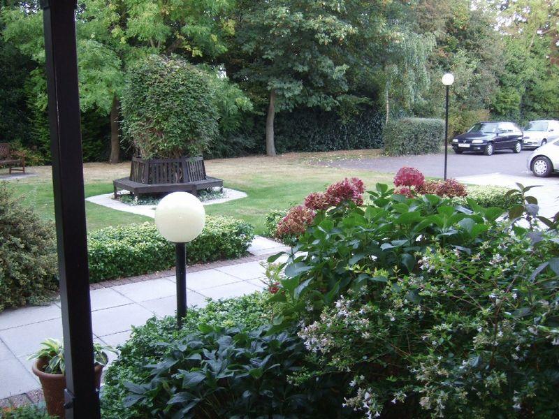Christchurch Lane Hadley Green