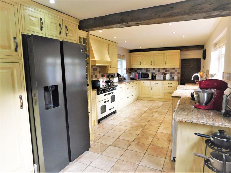 Family Kitchen Diner