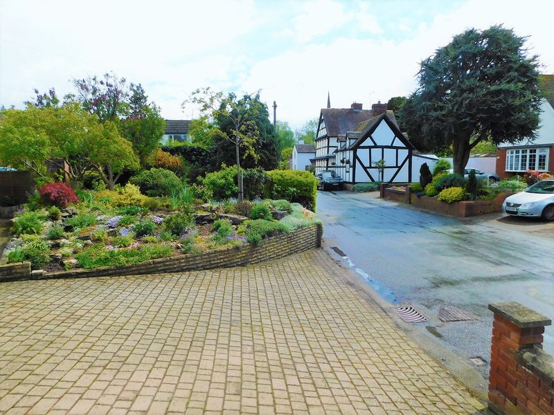 Front Garden/Driveway