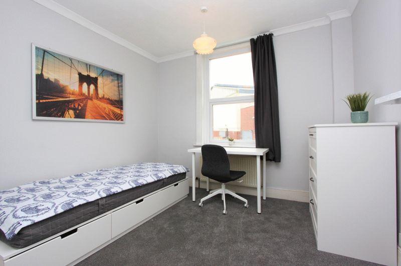 Room 4 - £525 (single)