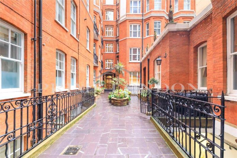 Westminster Palace Gardens