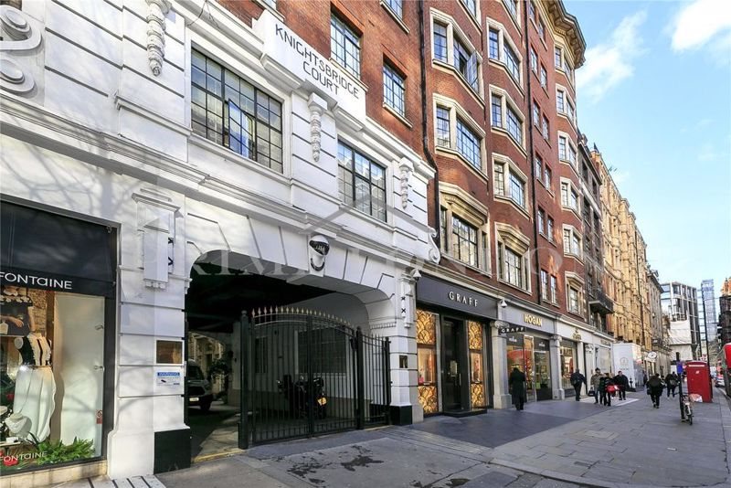 Knightsbridge Court 12 Sloane Street