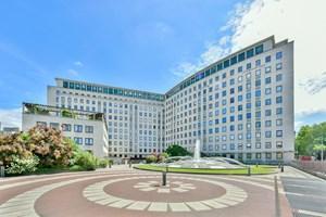The Whitehouse Apartments